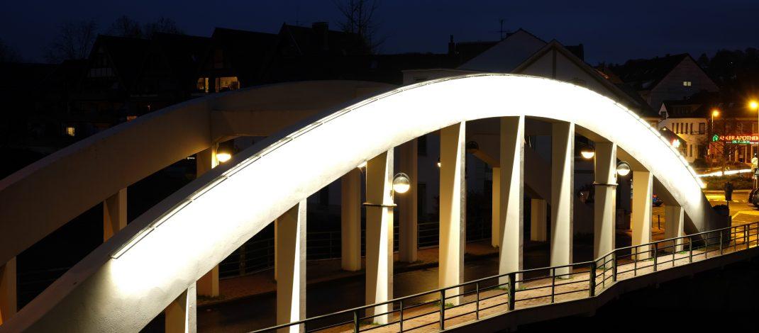 Marly-Brücke erstrahlt in neuem Licht